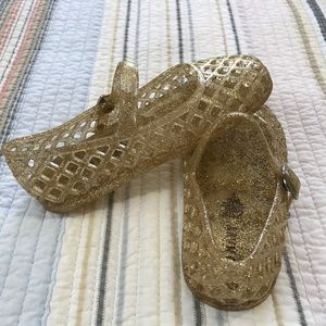 Old Navy Toddler Girl Gold Jellies (8)